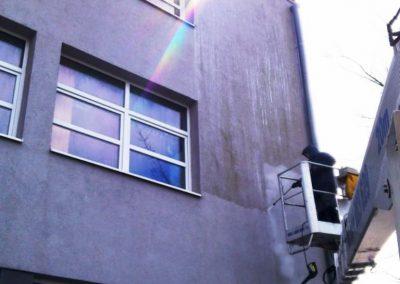 Czyszczenie elewacji akrylowej - wysokociśnieniowe, gorącowodne